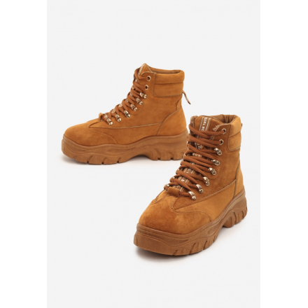 Camel boots on a flat Trapper shoes 8481-68-camel