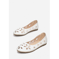 Openwork women's ballerinas. With a round toe. Made of eco-leather. 3346-71-white